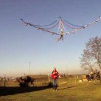 Il drone natalizio gigante