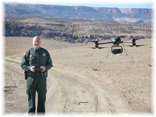 Lo sceriffo indaga con il suo drone
