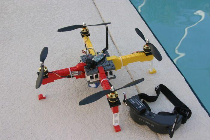 drone-fatto-con-i-lego