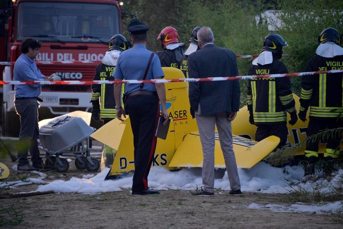 Cade aereo, muore campione italiano di acrobazie in volo