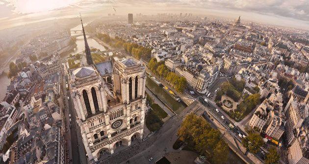 Fotografía aerea di Notre-Dame, realizzata da Stéphane Compoint