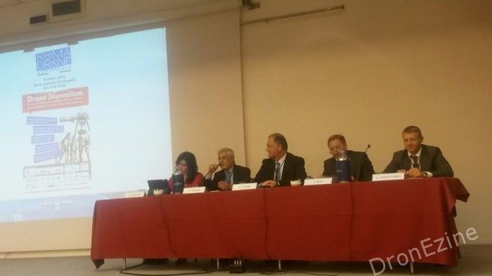 tavolo-conferenze-roma-drone