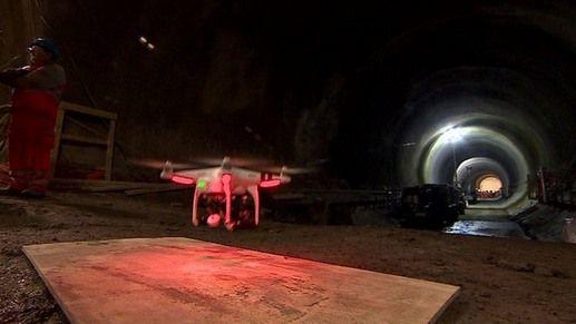 un drone DJI Phantom visita i Crossrail di Londra