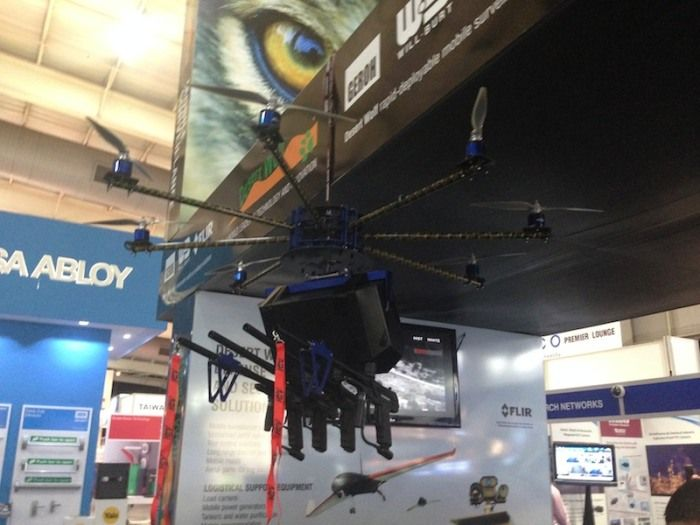 drone spara proiettili plastica