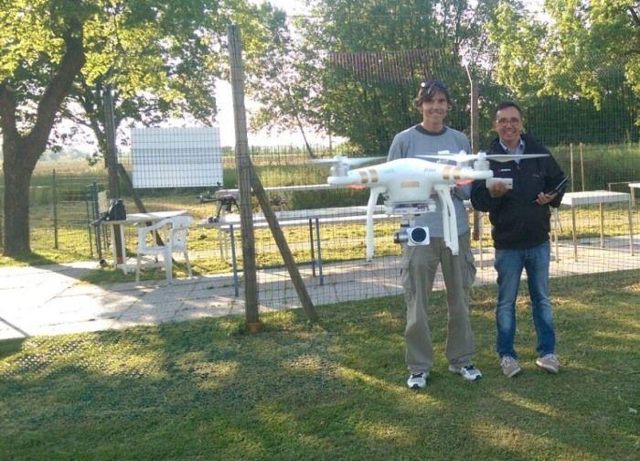 Phantom pilotato da un tester di DronEzine
