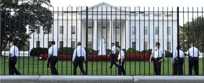 cancello casa bianca