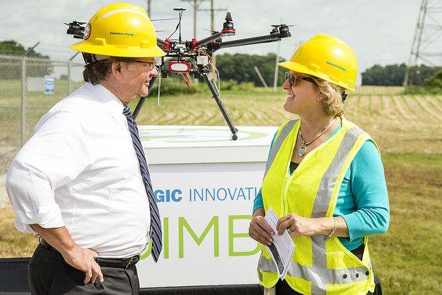 Azienda Consumer Energy rileva linee elettriche con drone negli USA
