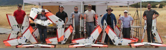 Una foto del precedente gfruppo di lavoro che lo scorso maggio ha fatto volare contemporaneamente 20 droni in sciame