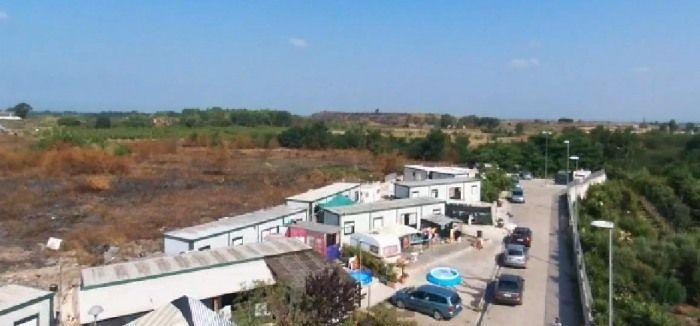 blitz campo rom gugliano con il drone