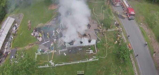 drone-filma-incendio-abbattuto-da-idranti