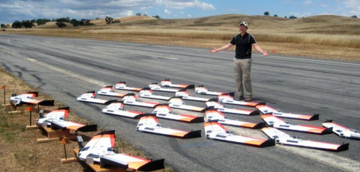 test lancio droni che seguono leader