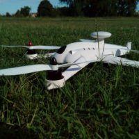 flying3d-x8-su-prato-di-fianco