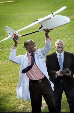 timithy-akulele-ricercatore-lancia-drone