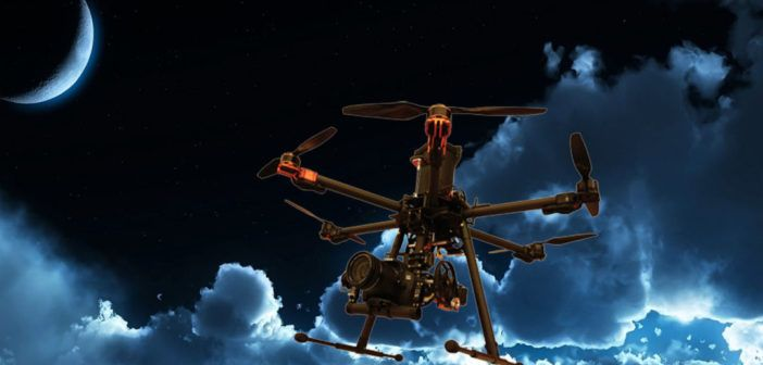 Drone FlyNovex in volo notturno su Milano