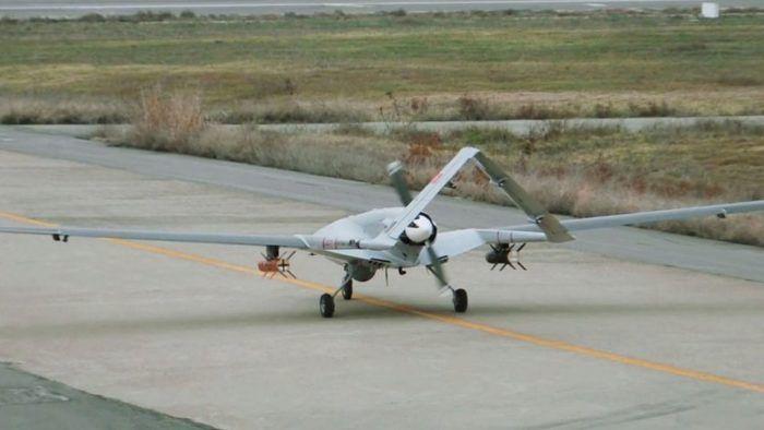 Drone tattico armato turco Bayraktar TB2