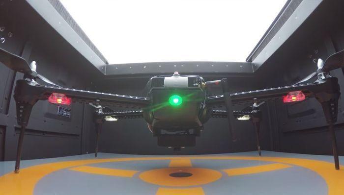 Dronebox hangar per droni con ricarica batterie