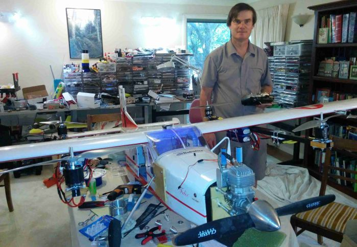 Il QuadPlane, un aereo con un quadricottero insieme che permette il VTOL