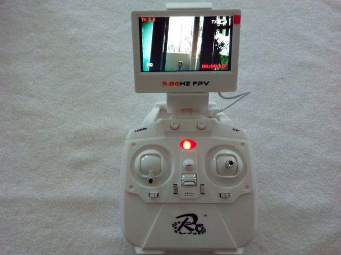 radiocomando-con-monitor-fpv-700