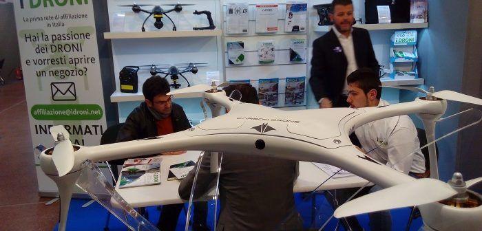 Il drone Devilray di Carbon Drone allo stand iDroni