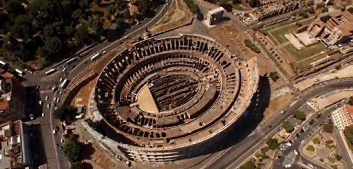 drone in volo vicino al colosseo