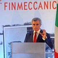 L'amministratore delegato di Finmeccanica, Mauro Moretti, partecipa alle celebrazioni dei 150 anni delle Officine Galileo a Campi Bisenzio (Firenze), 26 ottobre 2014. ANSA/MAURIZIO DEGL'INNOCENTI