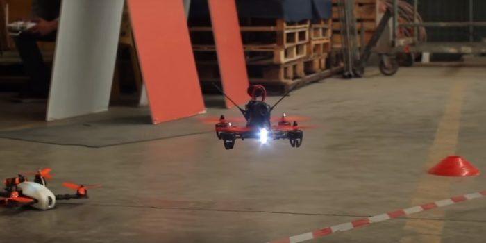 domostrazione di volo in fpv tra droni da corsa all'Oz Eden Park di Bologna
