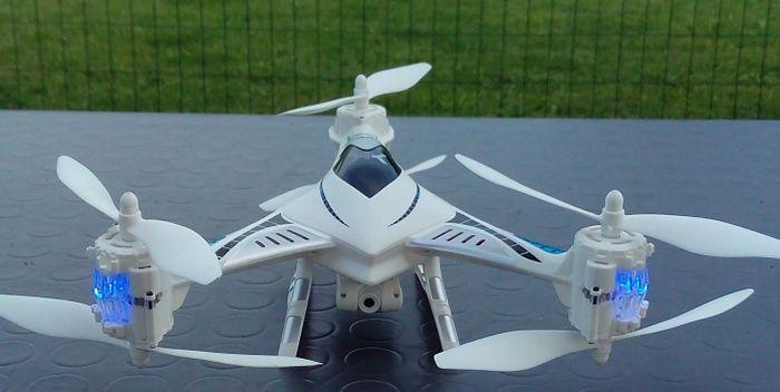 drone-tekk-falcon-primo-piano-tavolo-700
