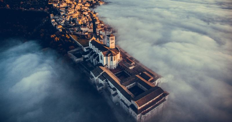 Basilica-of-Saint-Francis-of-Assisi-Umbria-Italy-by-fcatutto