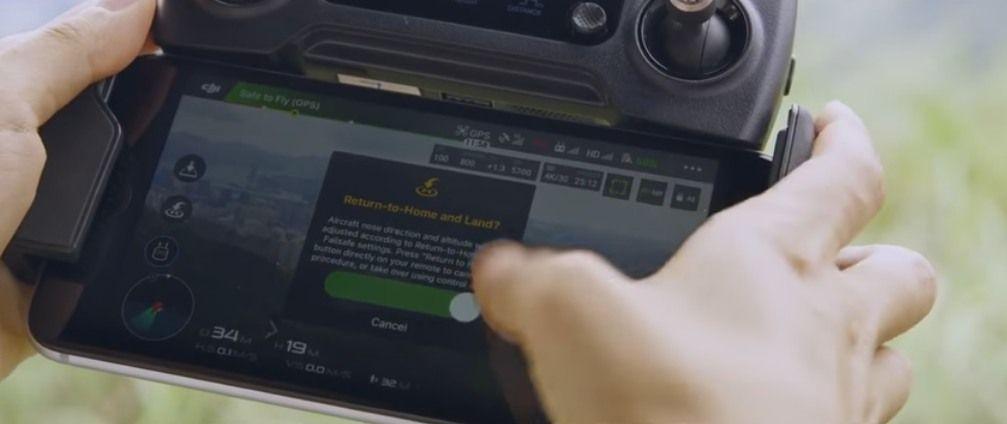 radiocomando-dji-mavic-con-smartphone