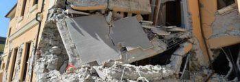I danni alla scuola di Amatrice