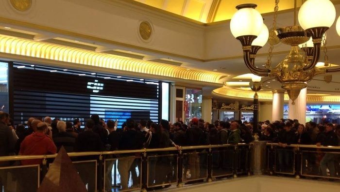 fila-apertura-dji-store-roma
