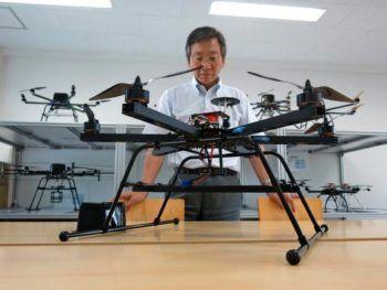 Il professor Kenzo Nonami dell'Università di Chiba