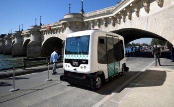 EZ10-Driverless-Minibus