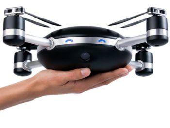 Drone da selfie? Mah! le dimensioni del Lily Drone non sembrano tali da renderlo una macchina pratica da portare sempre con sé.