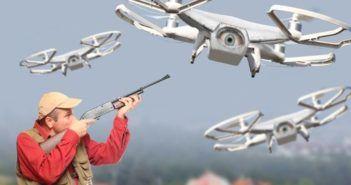 uomo spara a drone