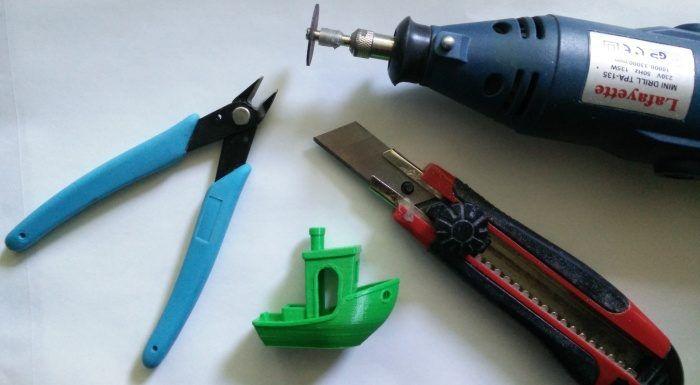 utensili-per-rimuovere-supporti-stampa-3d