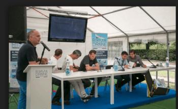 Romain Faroux di Airinov (a destra) alla prima edizione del Roma Drone con Luca Masali, direttore di DronEzine (a sinistra)
