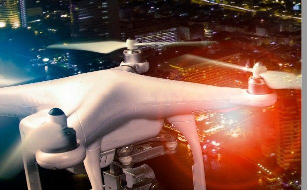 volo-notturno-drone