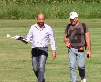 L'agronomo Donatello Sandroni (a destra) con il pilota Parrot Francesco Sciuto