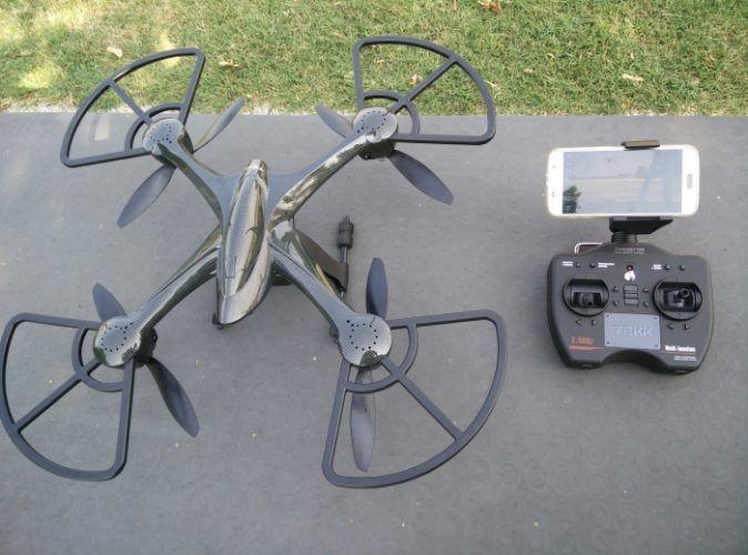 drone-tekk-typhoon-con-radiocomando
