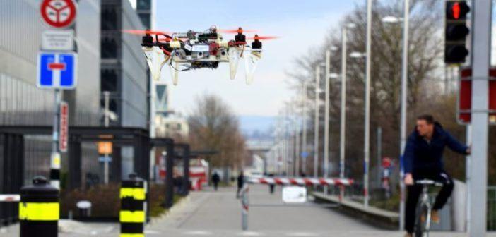 dronet algoritmo volo autonomo nel traffico