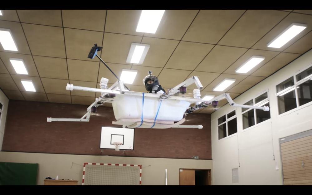 Vasca Da Bagno Foto : Due fratelli tedeschi trasformano la vasca da bagno in un drone. chi