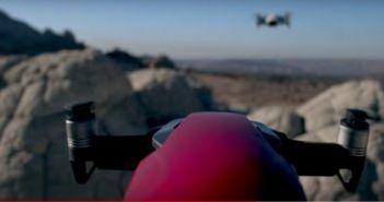Drone DJI Mavic Air in veste sportiva e pilotato in FPV