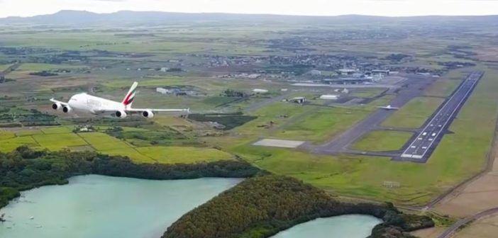 Pazzesco: drone filma il decollo dell'Airbus A380 da vicino! [VIDEO]