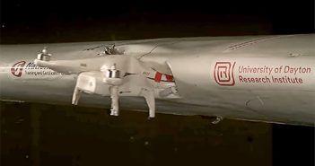 test drone contro ala di aereo da turismo