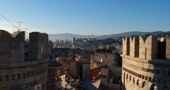 """Genova: Un trecentino """"istituzionale"""" ha volato in pieno centro per il documentario Mediaset"""