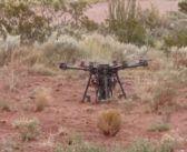 Un drone per scavare buchi nel suolo? Meglio con due (e con un paracadute)!