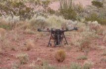 drone scavatore con paracadute
