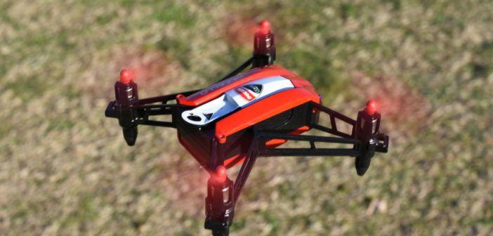 Recensione e prezzo mini drone Ducati Mugello con visore per pilotaggio in FPV