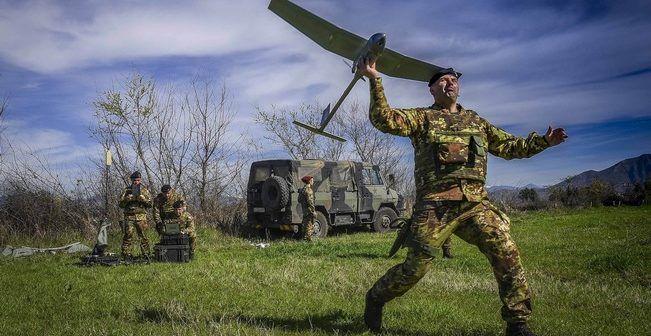 Terra dei Fuochi, l'Esercito scende in campo, anzi lancia i droni per contrastare i rifiuti abusivi